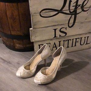 Angela Nuran - absolutely stunning heels!